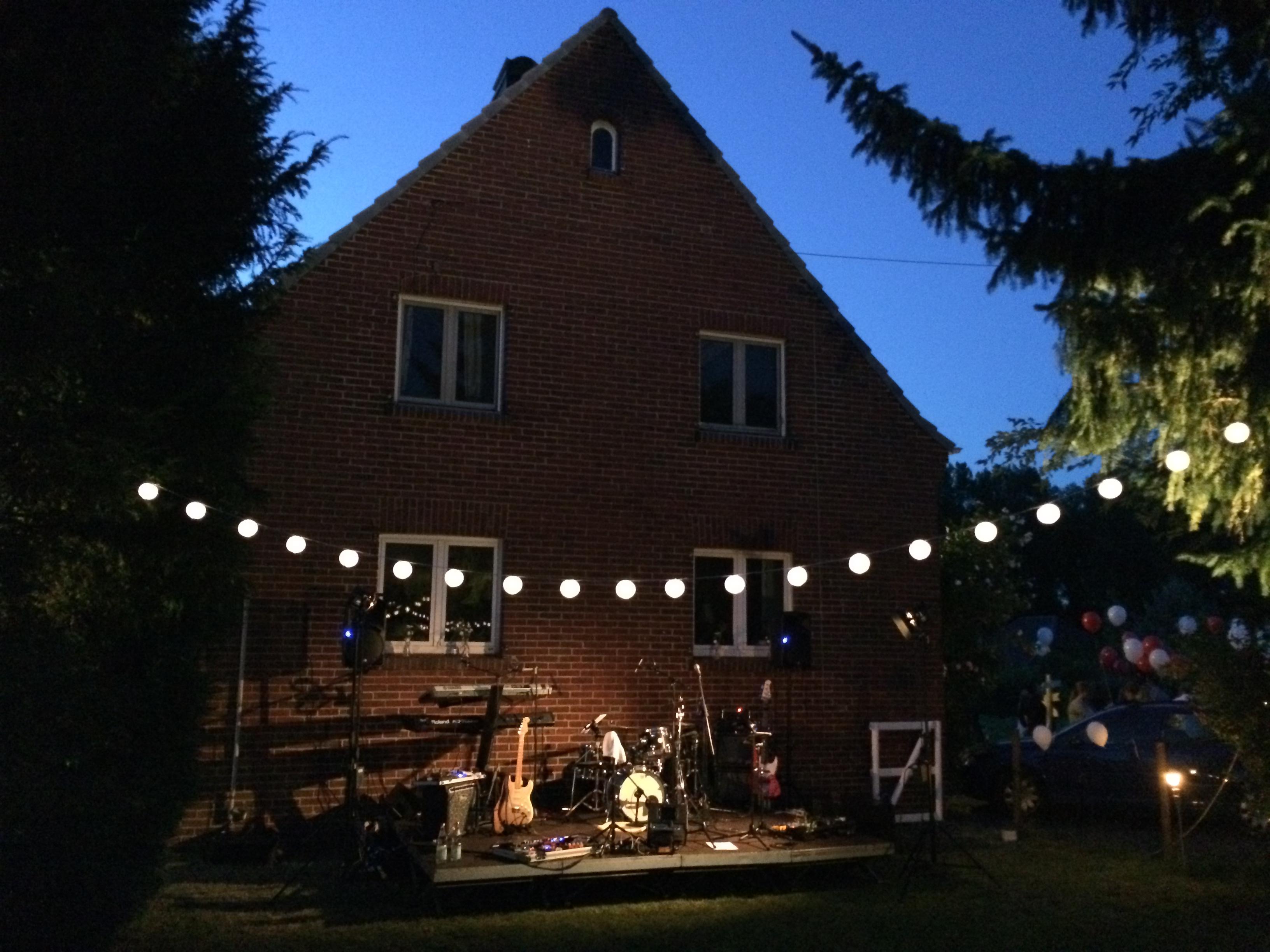 Hochzeitband aus Köln intim